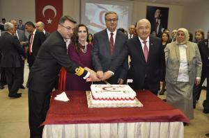 Kuzey Kıbrıs Türk Cumhuriyeti'nin 34. Kuruluş Yıldönümü Başkonsolos İnanıroğlu ve Eşi'nin ev sahipliğinde düzenlenen resepsiyonla kutlandı