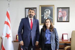 Mersin Barosu Başkanı Av. Bilgin Yeşilboğaz Başkonsolos İnanıroğlu'na iade-i ziyarette bulundu